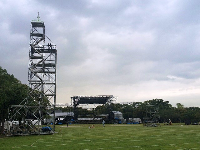 音楽フェスティバルの観覧席への落雷対策【避雷ドームのレンタル事例】