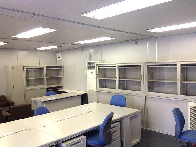 夏季の建設工事現場事務所【オフィス備品一式のレンタル事例】