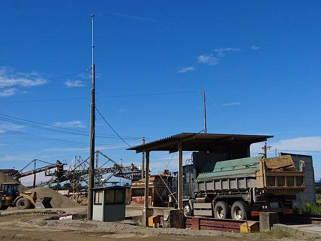 採石場の設備に対する落雷対策【避雷ドームの販売事例】