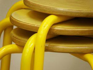 chair-556585_1280