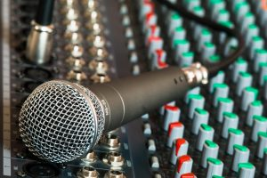 microphone-626032_1280