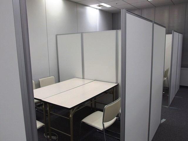 採用面接会場のオフィス家具・備品一式