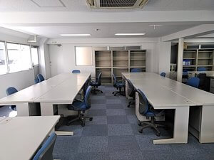 搬入条件の厳しいテナントビルでの事務所開設【オフィス備品一式のレンタル事例】
