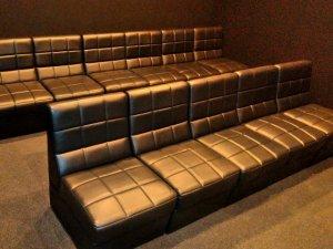シアタールームのソファ