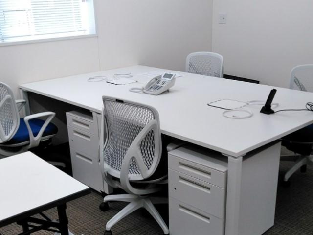 建設現場事務所と訓練施設の開設準備【オフィス備品一式のレンタル事例】