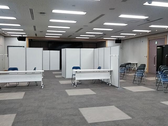 新型コロナワクチンの職域接種会場【会場備品一式のレンタル事例】