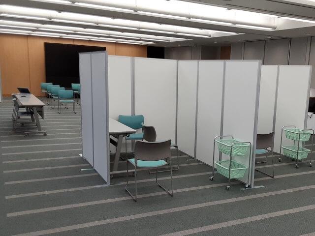 自社オフィスに新型コロナワクチンの接種会場を設置【会場備品一式のレンタル事例】