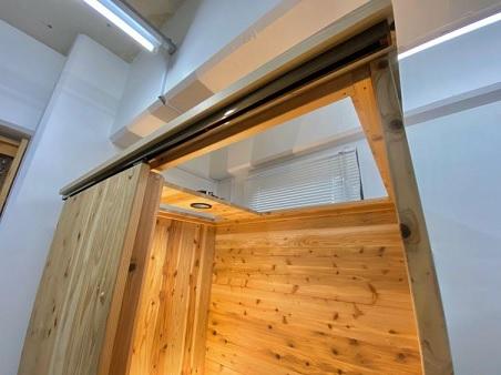 801000100101木製1人用ブース 天井オープン